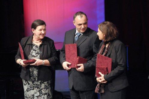Balog Zoltán Pro Caritate-díjakat adott át a fogyatékos emberek világnapján (kormany.hu)